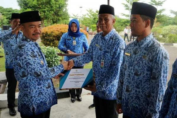 PIAGAM PENGHARGAAN PENYELENGGARA PELAYANAN PUBLIK DARI KEMENTERIAN PENDAYAGUNAAN APARATUR NEGARA DAN REFORMASI BIROKRASI REPUBLIK INDONESIA